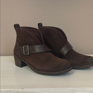 Wright Belted UGG boots NEW